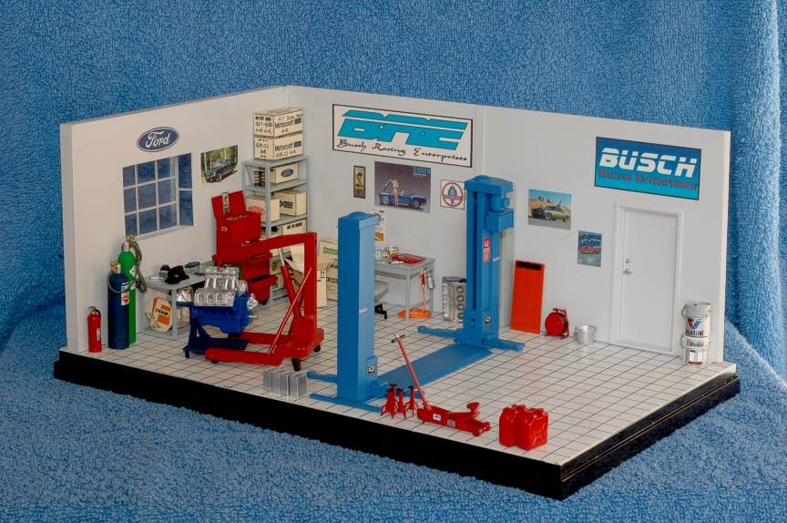 1 24 Scale Garage Accessories http://topflightimaging.com/scale_auto/garage.html